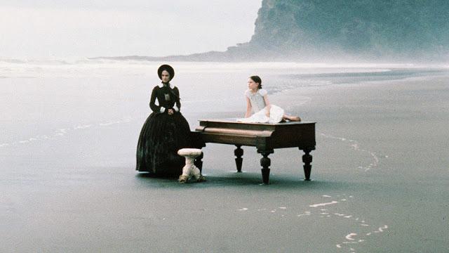 la poesia, il mare, la fanciullezza, gli sgabelli